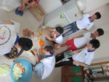 Cùng vào bếp nấu các món ăn