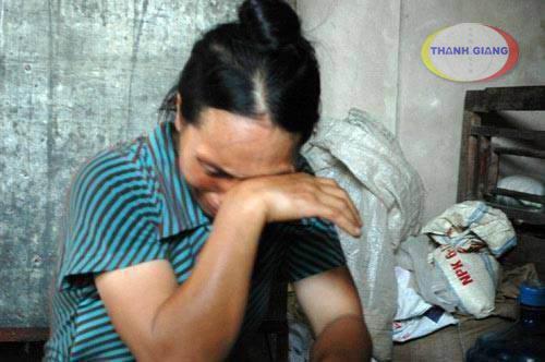 Nước mắt mẹ ở quê nhà lại rơi, khi nghe con mình phải chịu khổ